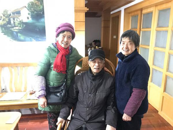 新春传真情 走访暖人心——秀水学院开展离退...
